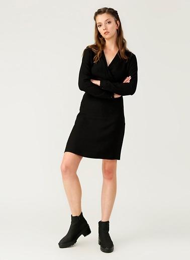 Limon Company V Yaka Kısa Elbise Siyah